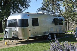 25 Flying Cloud Airstream Rental